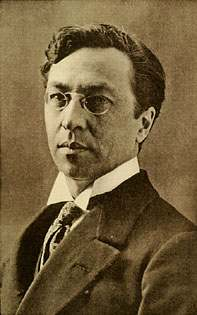 http://upload.wikimedia.org/wikipedia/commons/8/8a/Vassily-Kandinsky.jpeg